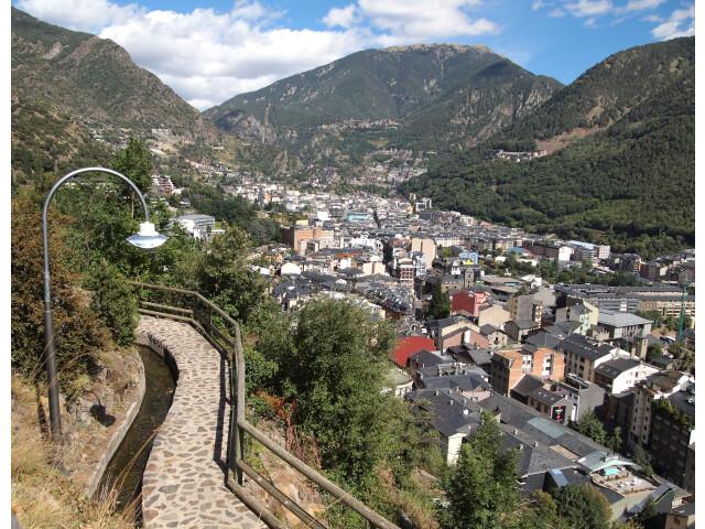 Andorra la Vella - footpath image
