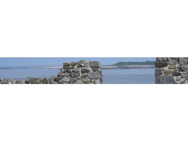 Guernsey banner Vale castle page banner
