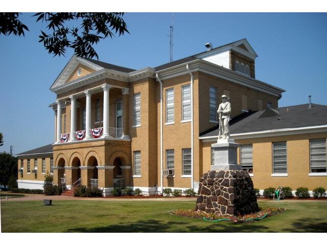 Choctaw County Alabama Courthouse image