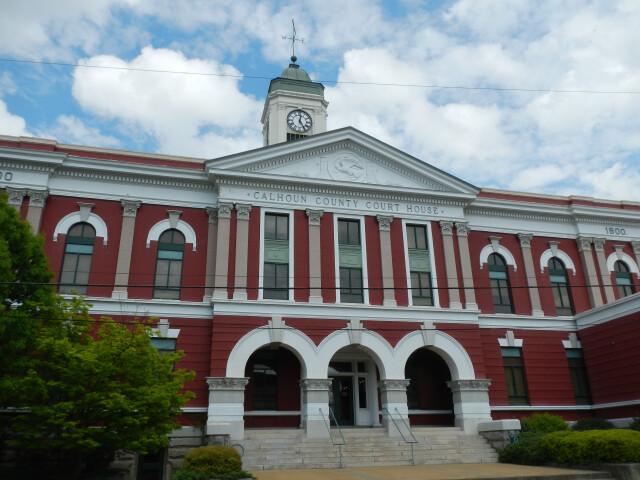 Calhoun County  Alabama Courthouse image