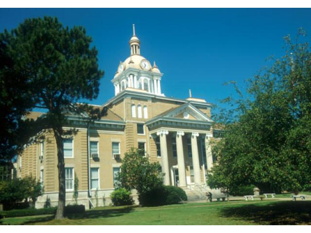 Fayette County Alabama Courthouse image