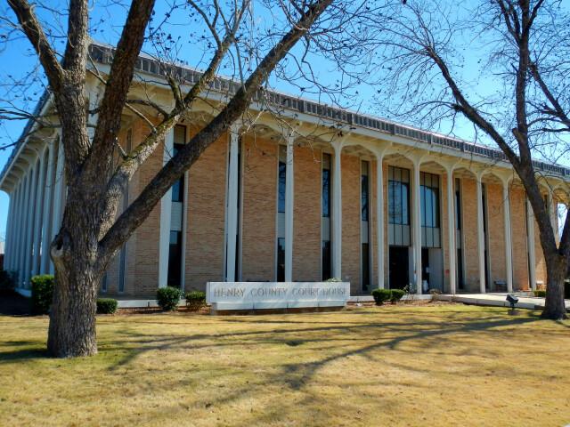 Henry County  Alabama Courthouse image