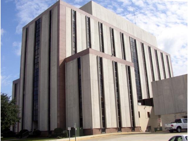 Tuscaloosa Court House image