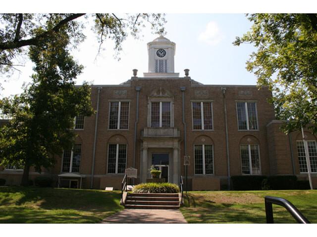 Camden  Arkansas Courthouse image