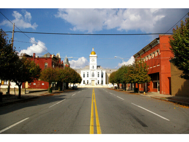 Pine Bluff AR - main street and courthouse image