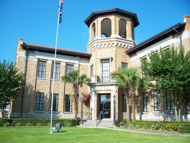 Auburndale FL city hall01 image