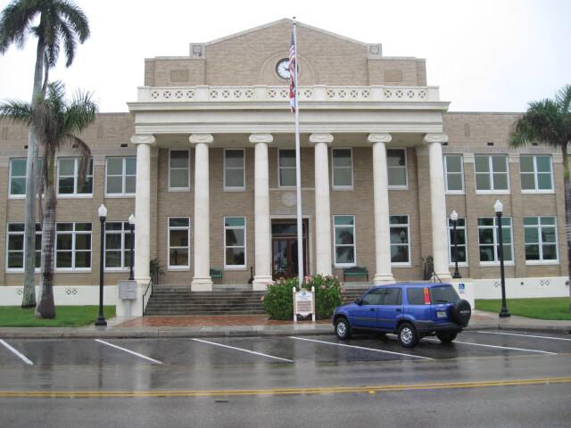 Punta Gorda  FL  Courthouse  Charlotte County  04-18-2010 '1' image