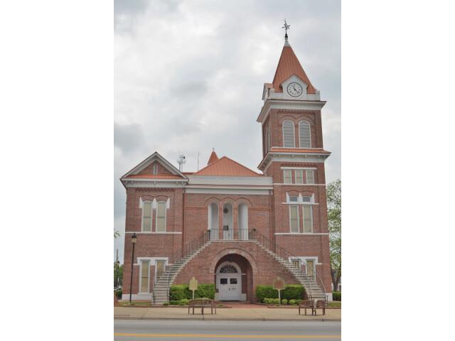 Burke County Courthouse%3B Waynesboro  Georgia%3B April 16  2011 image