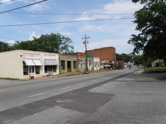 LexingtonGeorgiaMainStreetFall2008 image