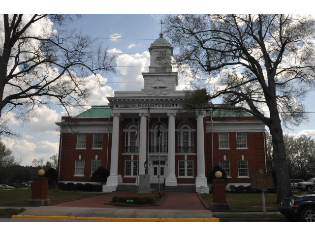 LINCOLN COUNTY COURTHOUSE image