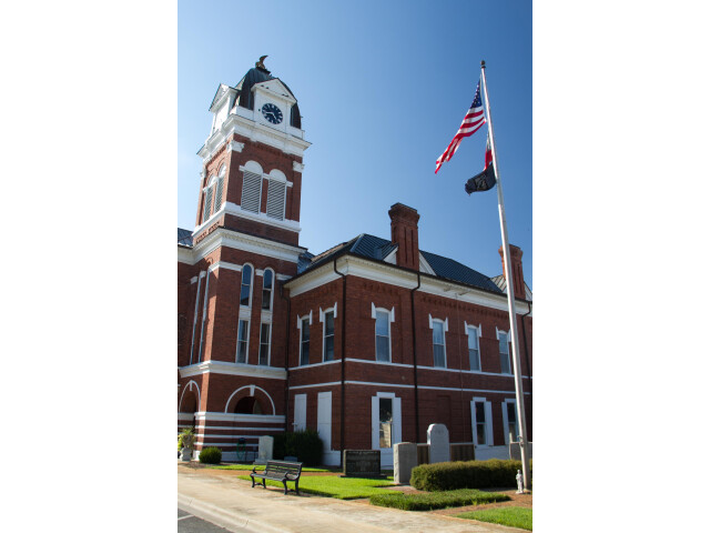 Courthouse in Sandersville image