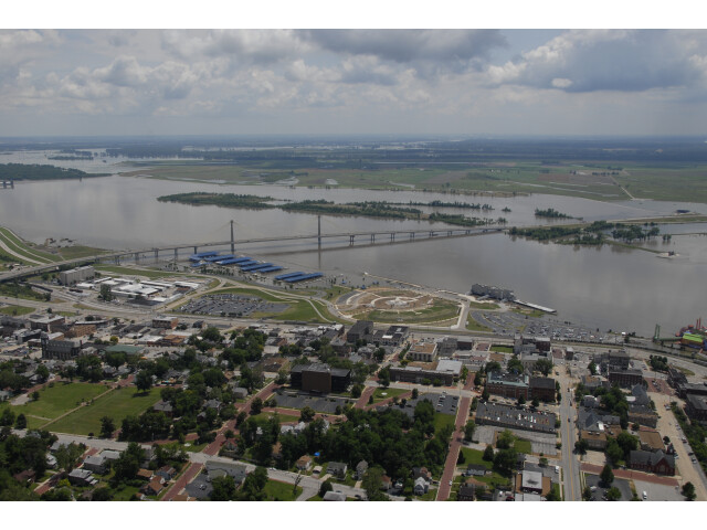 Aerial view of Alton Illinois during June 2008 flood image