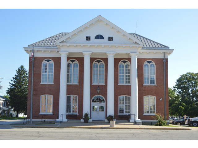 Brown County Courthouse  Mount Sterling image