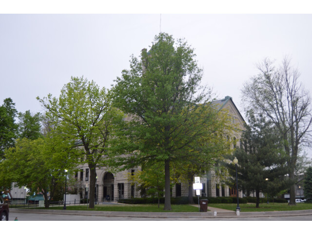 Christian County Courthouse  Taylorville image
