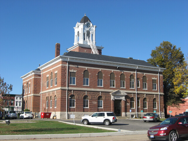 Clark County Courthouse in Marshall  southwestern angle image