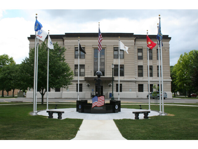 Douglas County Illinois Courthouse Monument image