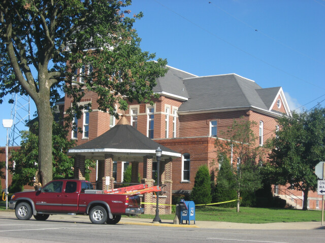 Wayne County Courthouse in Fairfield image