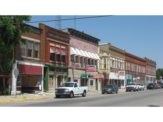 Main Street in downtown Clinton image