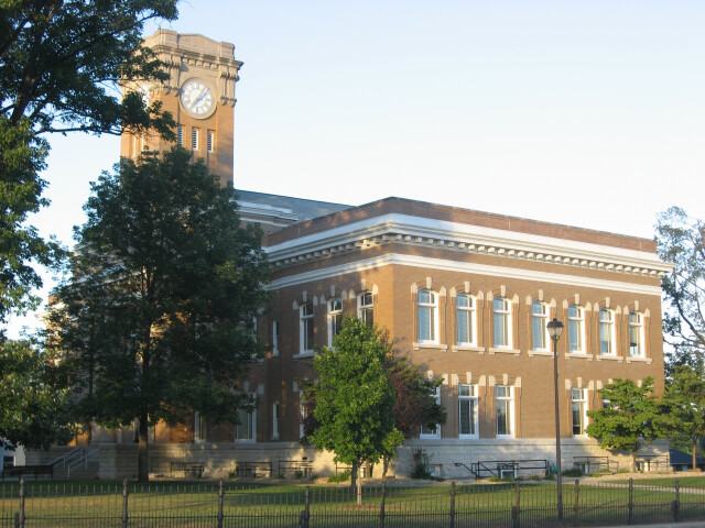 Jackson County Courthouse in Brownstown  southern side and front image