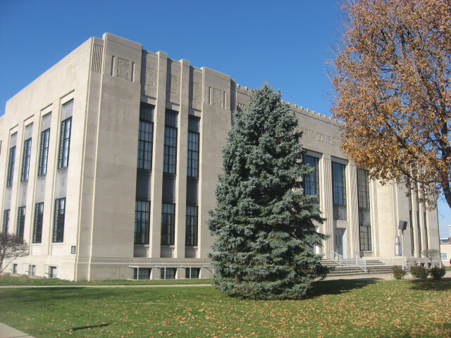 Shelby County Courthouse in Shelbyville image
