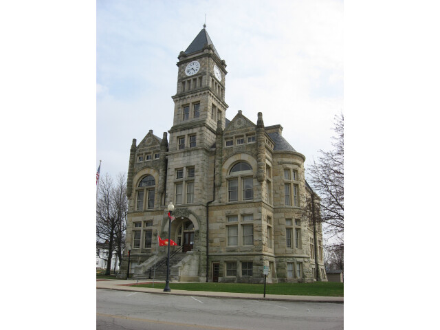 Union County Courthouse  Liberty  in daylight image