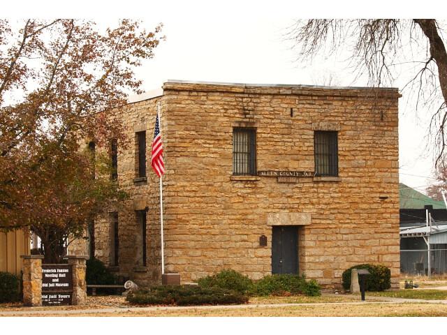 Allen County Jail  Iola image