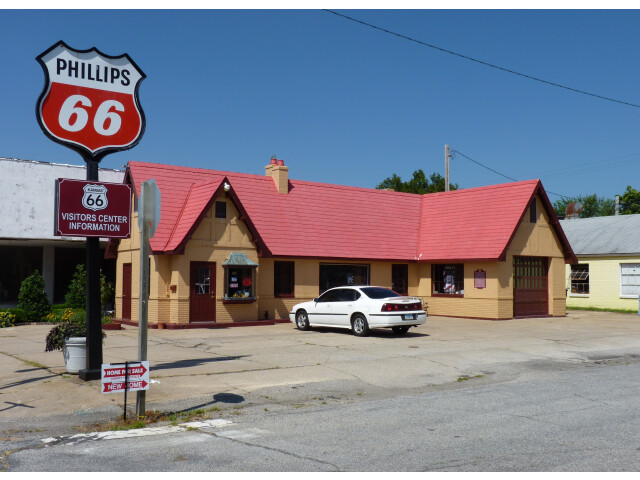 Baxter Springs Independent Oil and Gas Service Station image