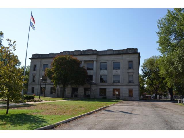 Crawford County Courthouse  Kansas 9-2-2012 image