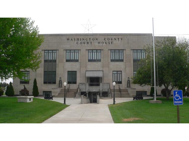 Washington County  Kansas courthouse from W 2 image