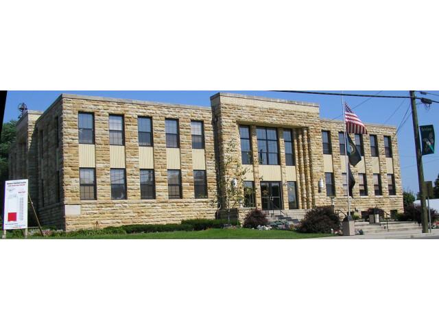 Estill County  Kentucky courthouse image