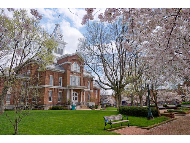 Old Simpson County  Kentucky courthouse image