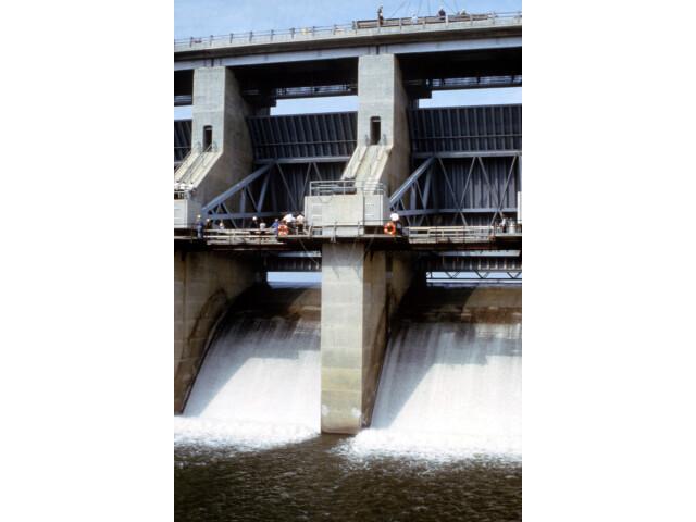 Harry S Truman Dam tainter gates image
