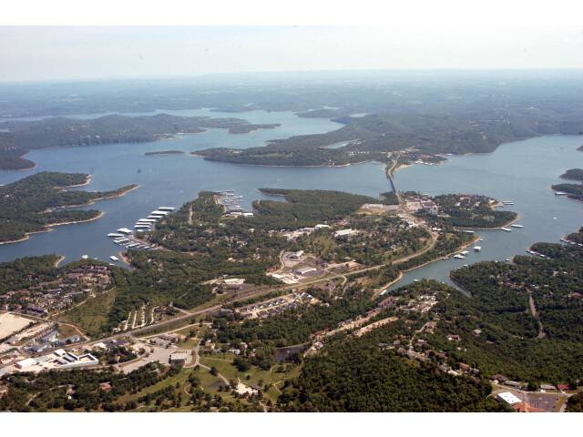Lee's Summit image