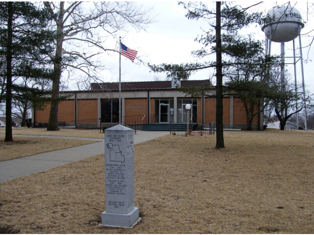 Holt-county-courthouse image