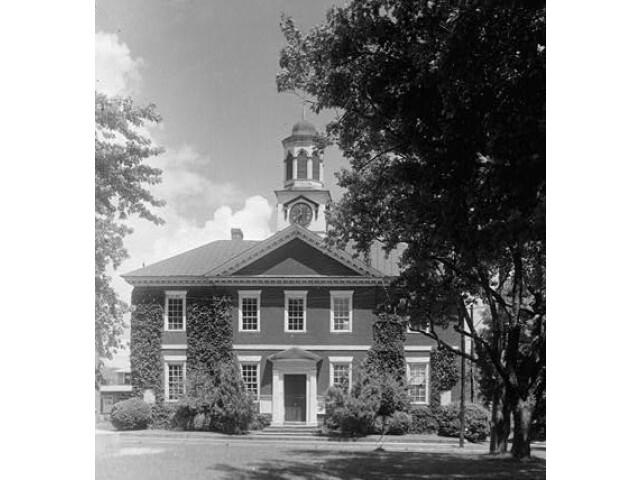 Chowan County Courthouse  East King Street  Edenton 'Chowan County  North Carolina' image