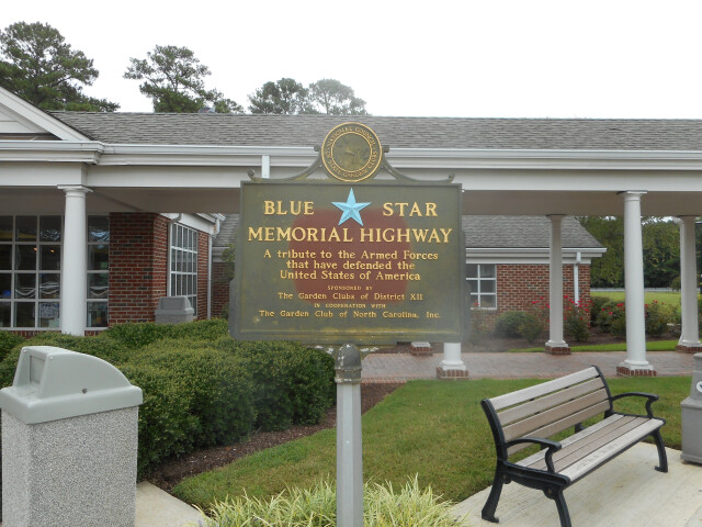 SB I-95 NC Welcome Ctr%3B Blue Star Plaque image