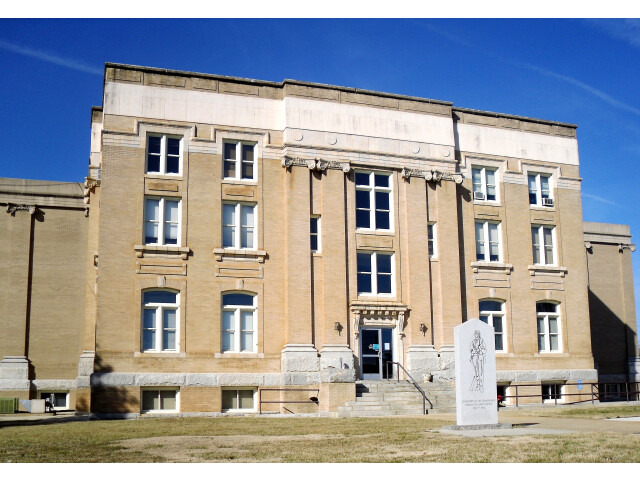 Surry County Courthouse image