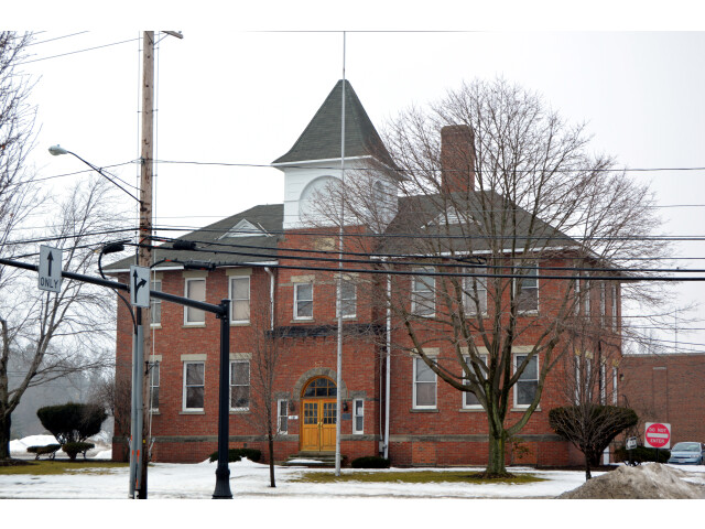Old Center School in Mayfield image