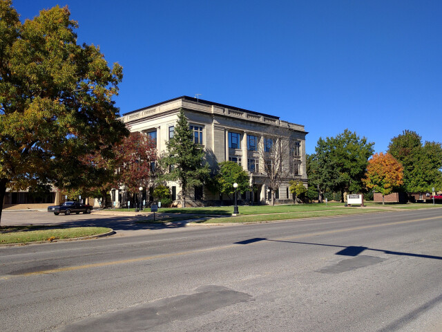 Garvin County Courthouse image