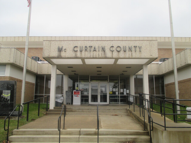 McCurtain County  OK  Courthouse in Idabel IMG 8498 image