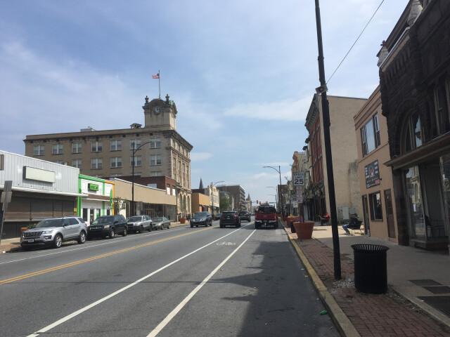 US 30 BUS EB past 2nd Avenue Coatesville. image