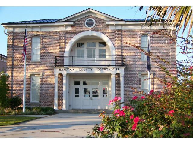 Hampton County Courthouse 3 image