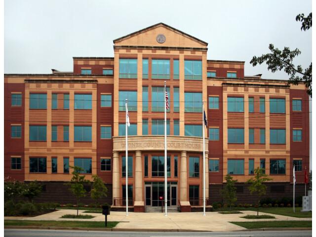Oconee County Courthouse image