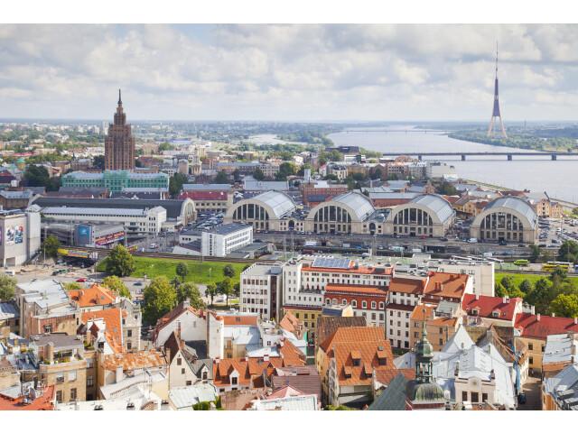 Vistas desde la iglesia de San Pedro  Riga  Letonia  2012-08-07  DD 09 image