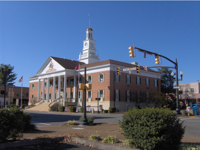 Mcminn-county-courthouse1 image