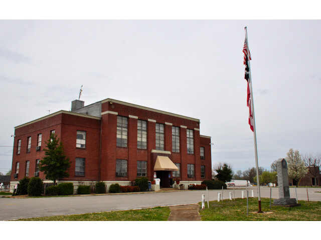 Lewis County Courthouse  Tennessee image