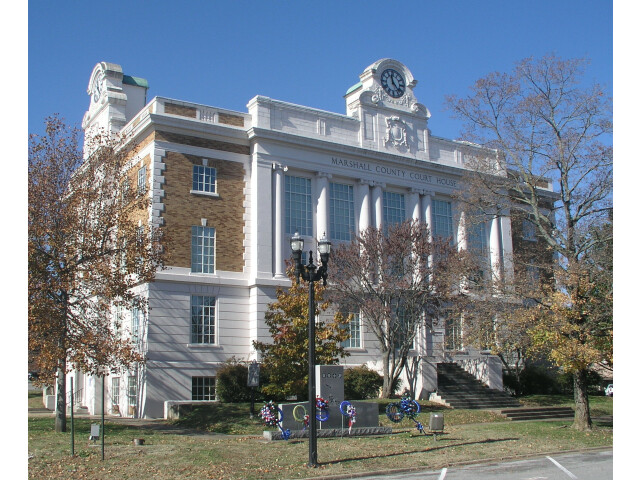 Marshall County Tennessee Courthouse image