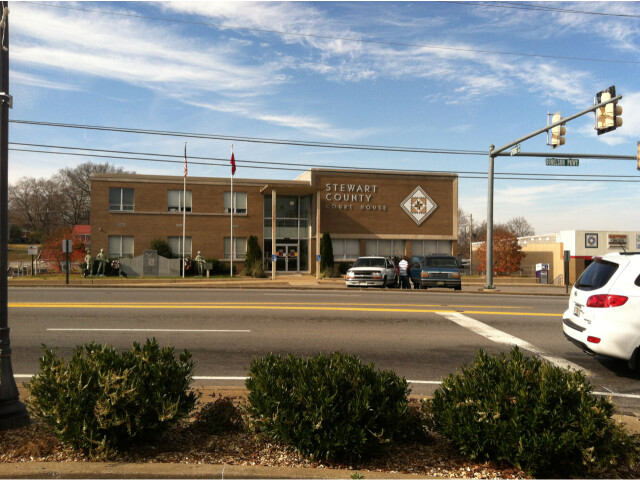 Stewart County  Tennessee courthouse  Dec 2012 image