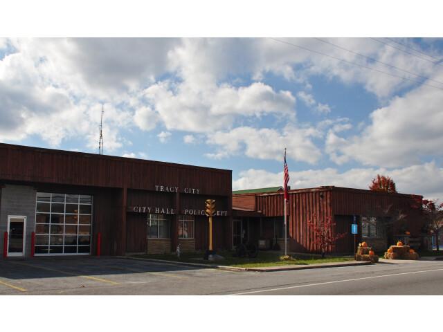 Tracy City City Hall image