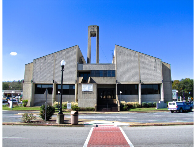 Wayne-County-Courthouse-E-tn1 image